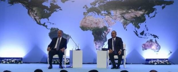 """Mevlüt Çavuşoğlu: """"Yunanistan Türkiye için çok önemli bir ülke"""""""